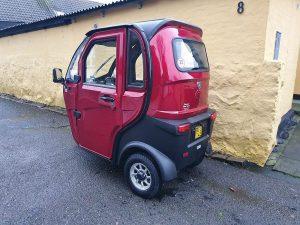 Få dækket dit transportbehov med en smart kabinescooter