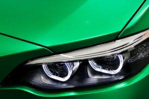 Få bugt med bilens ridser med en autolakering